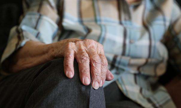 В Архангельске 70-летняя пенсионерка избила сотрудника полиции