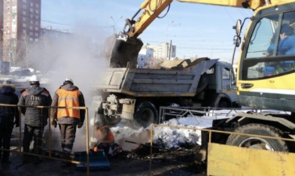 Случайные прохожие стали жертвами коммунальной аварии.