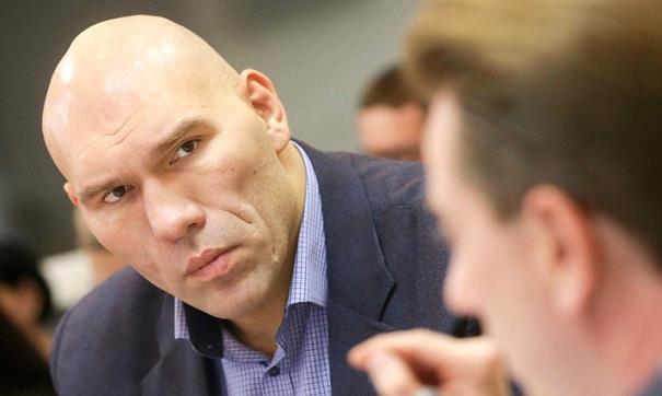 Николай Валуев видит большие перспективы для русского хоккея