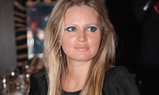 Дана Борисова уехала в Таиланд на остров Самуи на съемки, дочь осталась в России