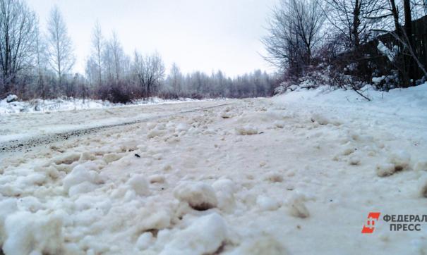 В поселке Новоказанцево чиновники не знают, что делать с незаконной дорогой