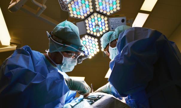На раннем лечении заболевания проводятся экономные процедуры