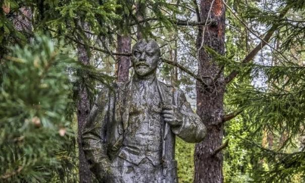 В Омске сожгли полное собрание сочинений Ленина