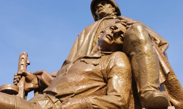 Российские дипломаты не нашли памятника генералу Черняховскому на месте его захоронения возле польского города Пененжно