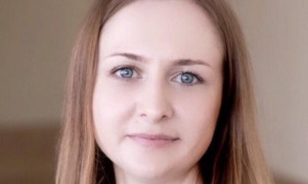 Липатова, напомним, входит с состав совета директоров холдинга с прошлого года.