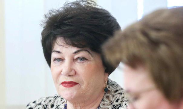 Плетнева отметила, что наказывать геев за их ориентацию не нужно, необходимо «лечить» их