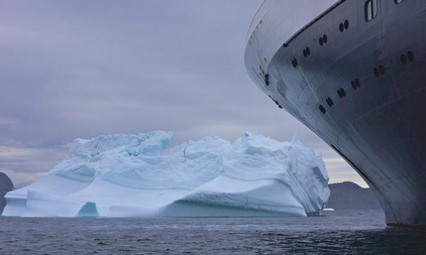 В Сети появились кадры с терпящим бедствие круизным лайнером Viking Sky