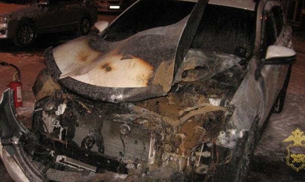 В Приморье задержали мужчину, обвиняемого в поджоге нескольких автомобилей