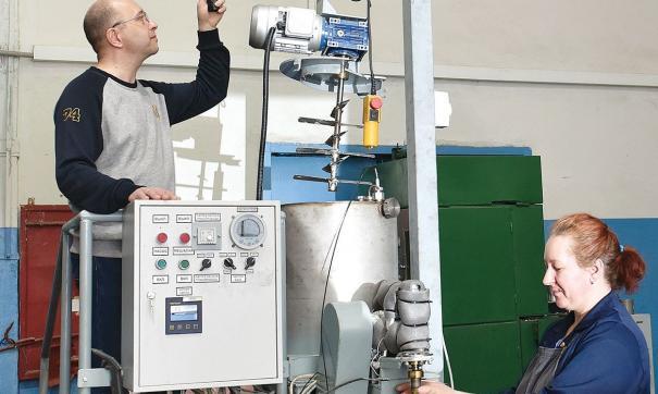 На АПЗ появилась автоматизированная шприц-машина для работы с воском
