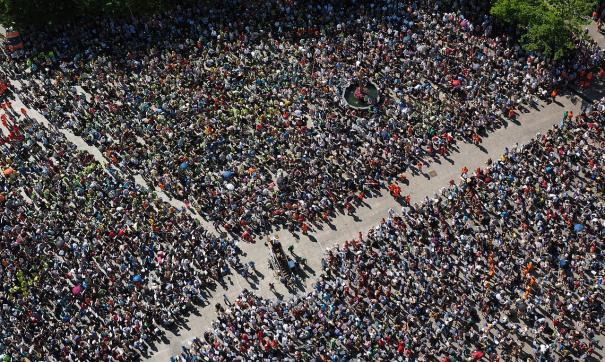 Кастрюли, фартуки и фиолетовая одежда - сегодня в Испании состоялись акции протеста по случаю Международного женского дня