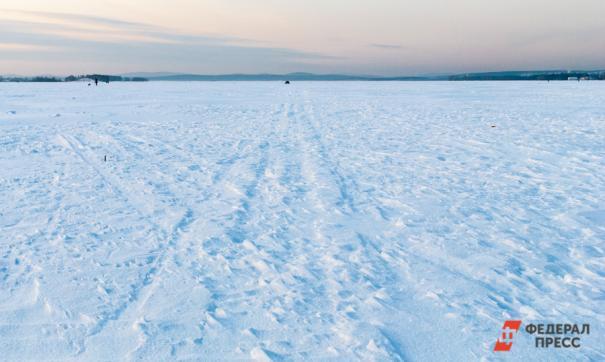 Поиски мальчика, провалившегося под лед на Неве, продолжаются