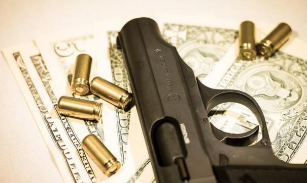В гараже у налоговика нашли ружья, пистолет-пулемет и патроны.