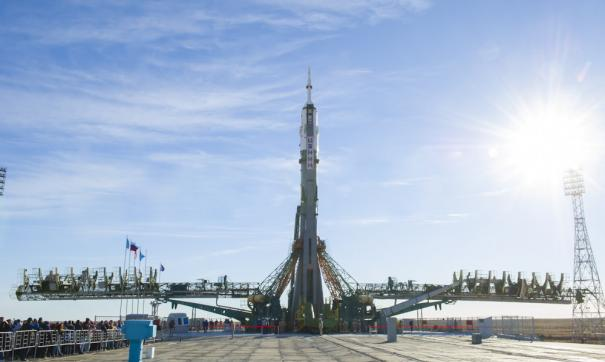 «Роскосмос» со второй попытки доставил космонавтов на МКС