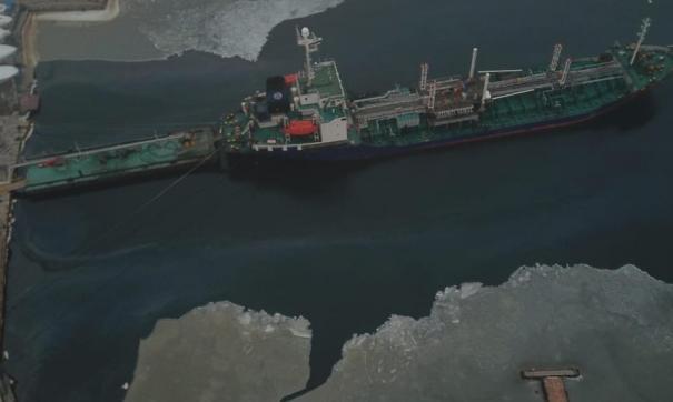 Во Владивостоке по факту разлива нефти в бухте Улисс возбуждено дело