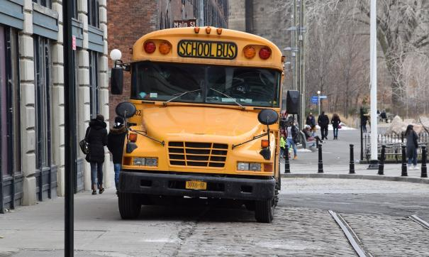 Водитель школьного автобуса пытался сжечь полсотни детей