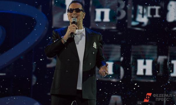 Артист недоволен тем, что поклонники певицы вынуждены отдать последние деньги за билет