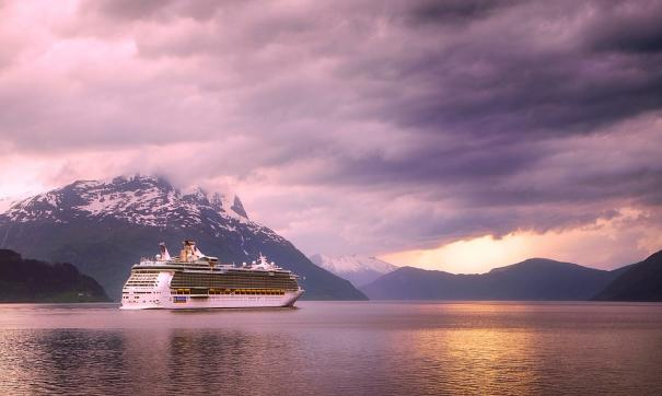 У берегов Норвегии эвакуируют пассажиров лайнера Viking Sky