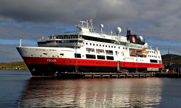 На борту потерявшего ход лайнера Viking Sky есть россияне