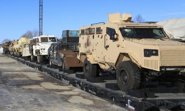 Акция демонстрирует трофейное вооружение и военную технику