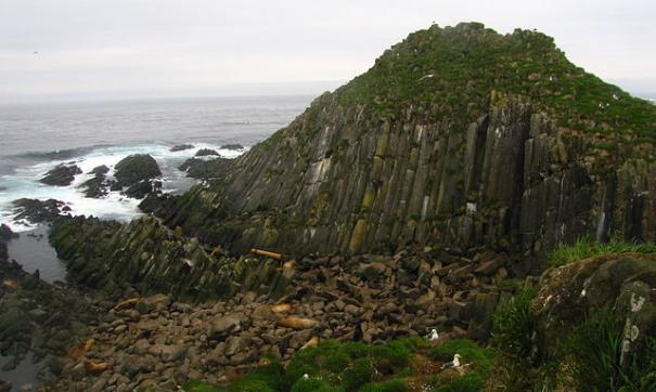 Вокруг Курильских островов не утихают споры и слухи