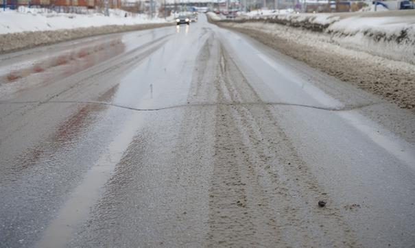 В последние месяцы жители Сургута жалуются на повышенную колейность городских автодорог