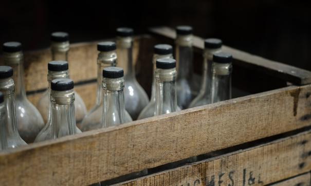 На складах и в автотранспорте обнаружены тысячи литров фальсификата