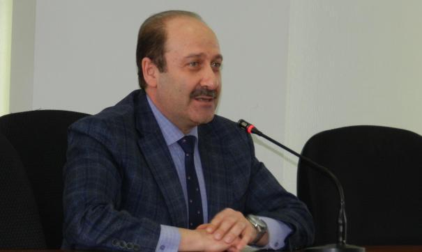 За отчет Дмитрия Фельдмана проголосовали только трое депутатов