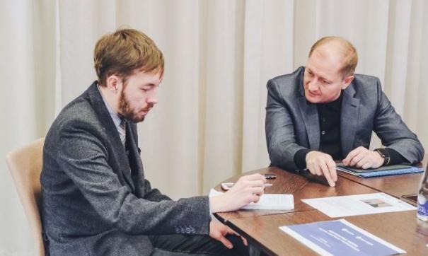 Виталия Иванова (справа) отправили на новый фронт работы в Северный Кавказ