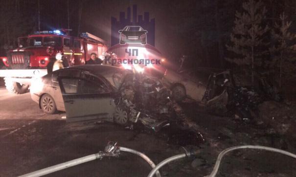 Очевидцы аварии утверждают, что трасса была сухая и не скользкая