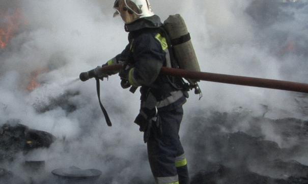 В Челябинске продолжается горение бизнес-центра