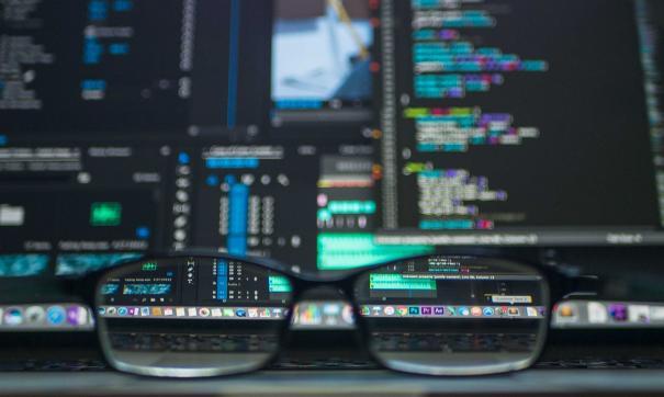 Идет регулярная гонка между специалистами в сфере защиты данных и мошенниками