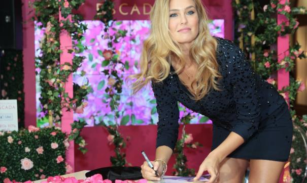 Бар Рафаэли пыталась оправдать неуплату миллионных налогов романом с Ди Каприо