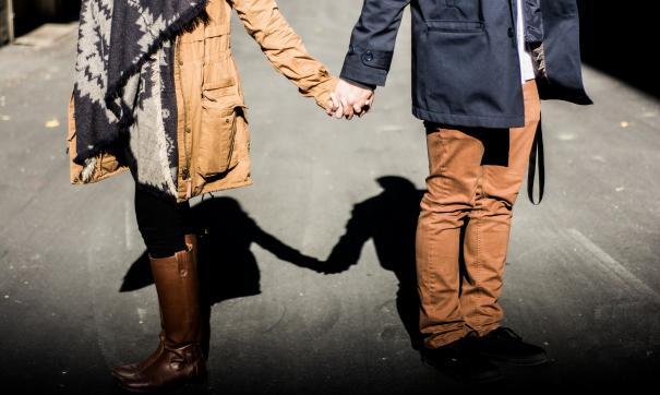 Сайт знакомств рекламировал себя через шутки об изменах
