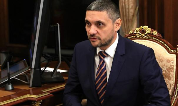 Осипов осмотрел трофейное оружие, изъятое у сирийских террористов