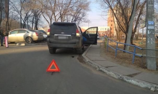 В Хабаровске водитель элитного внедорожника сбил пятилетнего ребенка