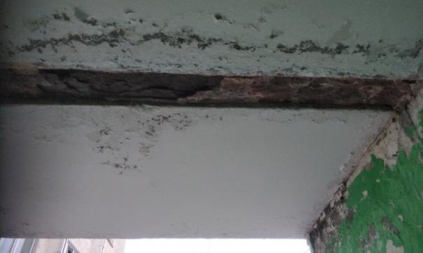 Разваливающийся дом в Ноябрьске