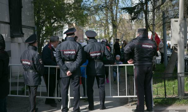 И снова бомба. Лжеминеры выгнали из торговых центров Петербурга 9 тысяч человек