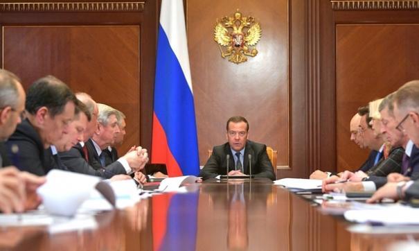 Медведев отметил, что  сегодня сервисы российского интернета участвуют в работе всех сфер жизни