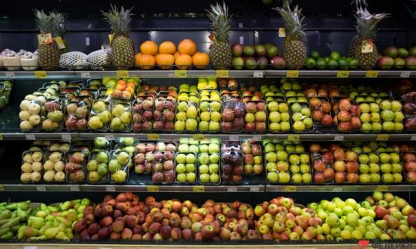 На продажу допущены фрукты с вредителями.