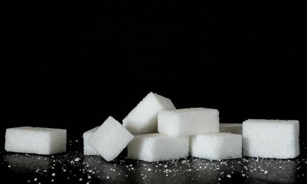 Неизвестный похитил со склада 60 тонн сахара.