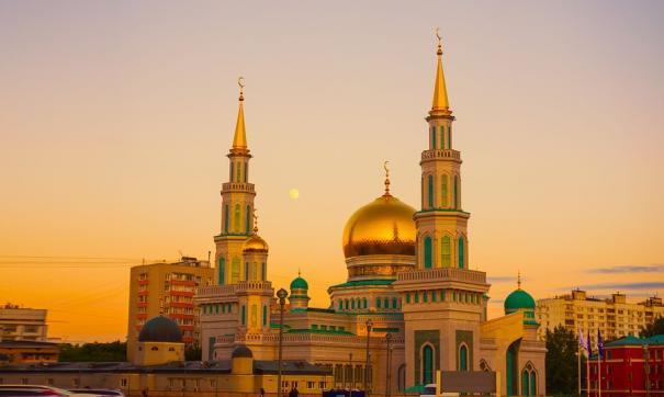 Через 40 лет количество христиан и мусульман в крупных городах может сравняться