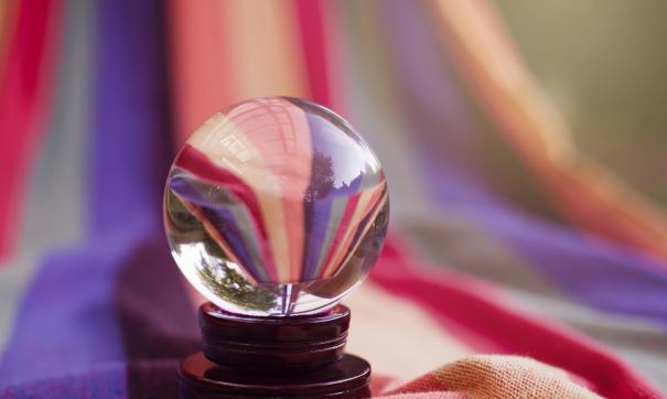 Василиса Володина стала звездным популярным астрологом после того, как поучаствовала в программе «Давай поженимся!»