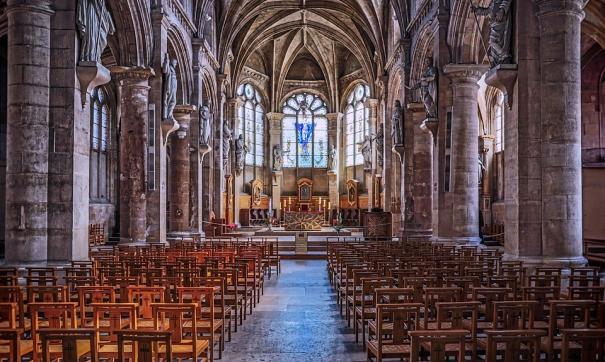 Алтарь и алтарный крест собора Парижской Богоматери уцелели при пожаре