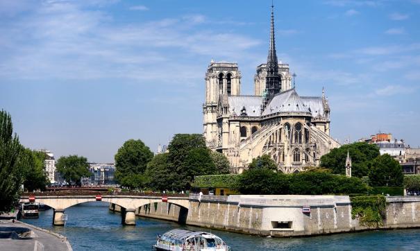 Прокуратура начала расследование по факту пожара в соборе Парижской Богоматери