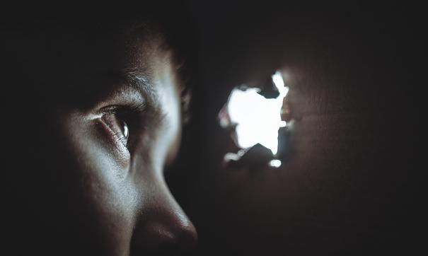 На мать завели уголовное дело за жестокое обращение с детьми
