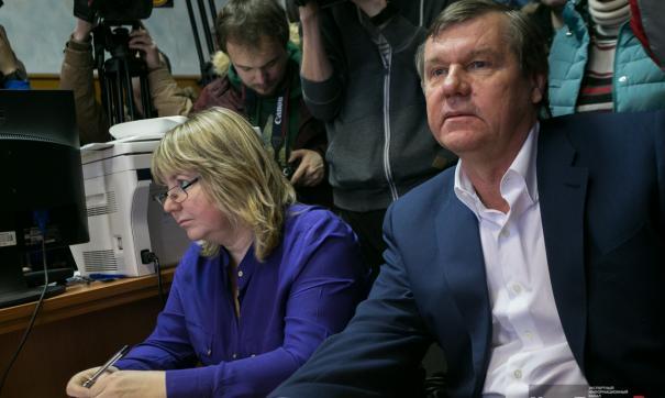 Бард Александр Новиков может стать банкротом
