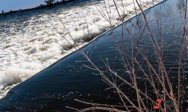 Талые воды с полей. В уральском городе серьезный потоп