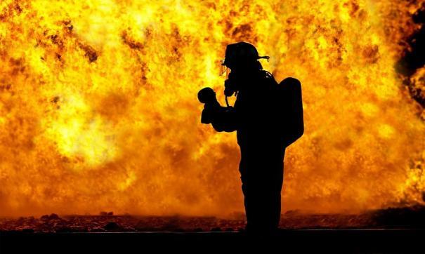 К тушению пожара привлекался 21 человек