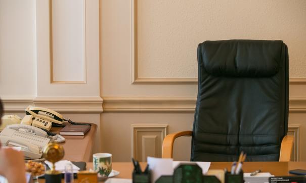 В мэрии не уточнили, связана ли отставка с прошедшими обысками или нет