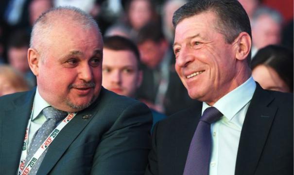 Сергей Цивилев (слева) - свой человек в Кремле и в общении с вице-премьером Дмитрием Козаком (справа)